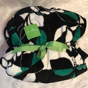 Vera Bradley 80x50 Imperial Rose Blanket
